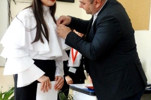 Кметът на община Първомай с медал за заслуги от Български Червен кръст