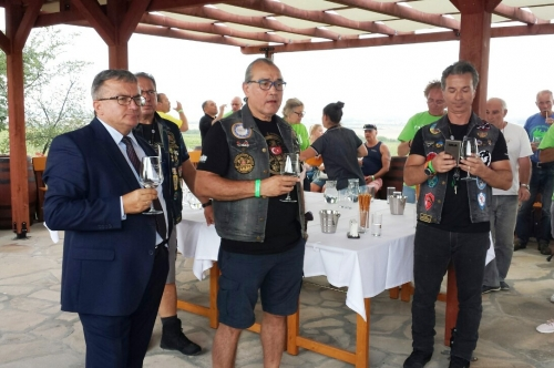 """Кметът се срещна с мототуристи във винарна ,,Загрей"""""""