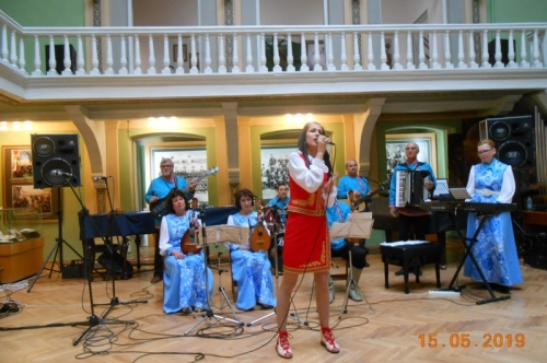 """Състав """"Ивушка"""" за трета поредна година с концерт пред пловдивска публика"""
